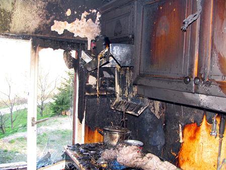 Slika 1: Kuhinja po uspešno pogašenem požaru