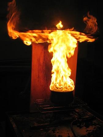 Slika 3: Tako gori pol litra belega jedilnega olja